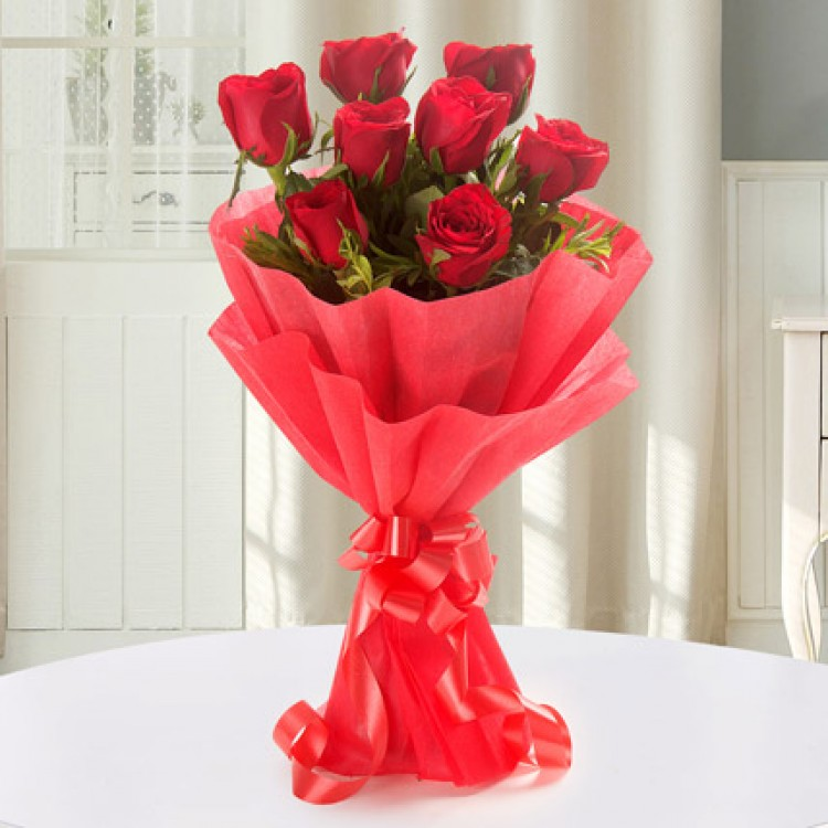 Enigmatic 8 Red Roses